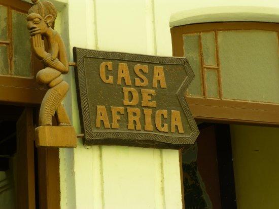 casa-de-africa-sign