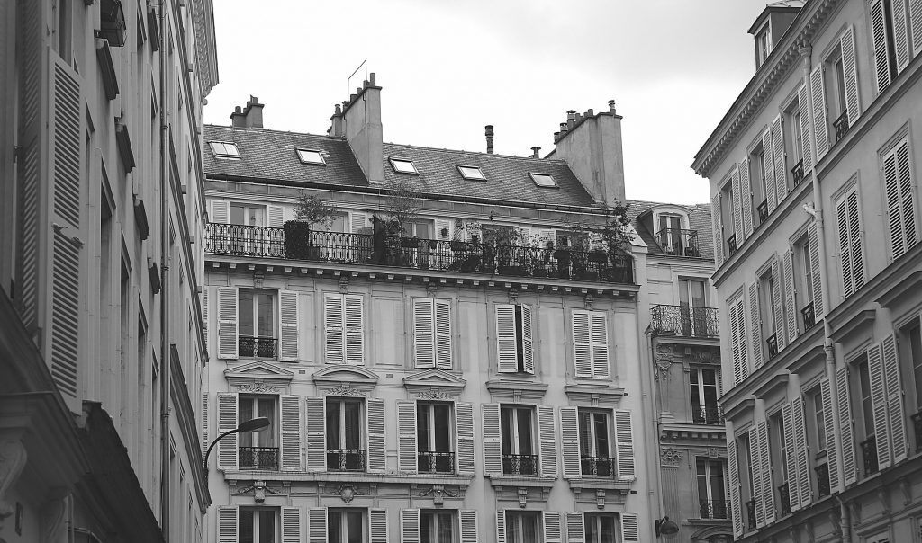 9 to 5 Wanderlust Paris